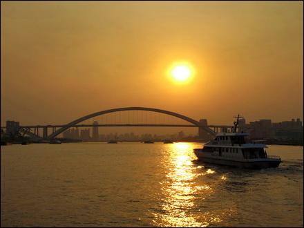 לחצות את הנהר